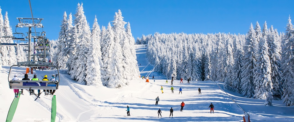 5 Great Ski Resorts Near Lewiston-Auburn